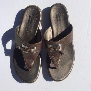 Clarks Collection Metallic Flip Flops Thongs